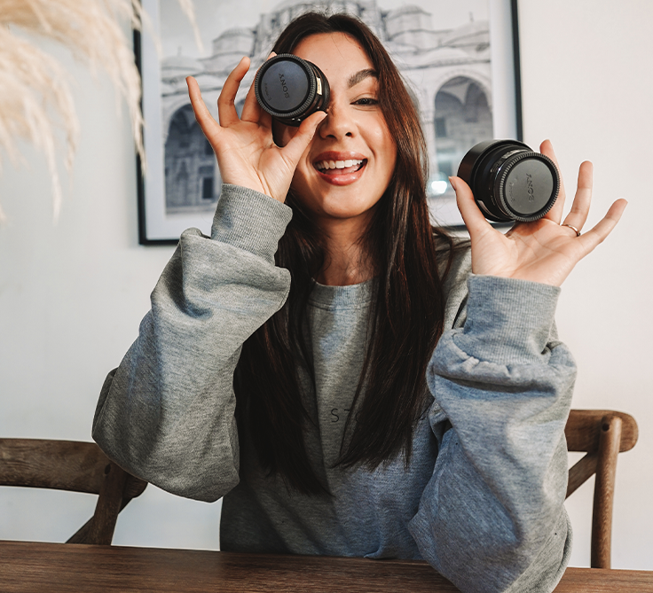 A Content Creator's Guide to Compact Lenses